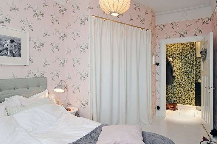 Arredare una camera da letto romantica foto design mag for Carta da parati stile inglese
