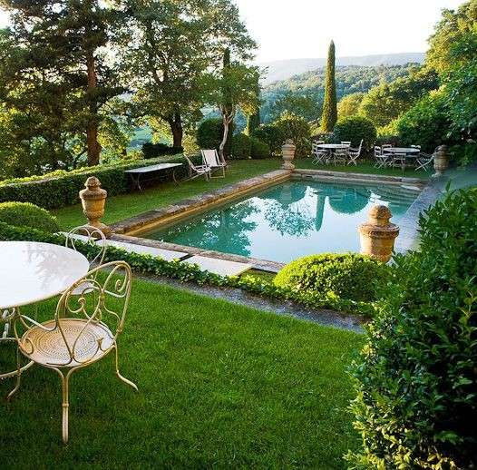 Arredare un giardino con piscina foto design mag for Big garden pools