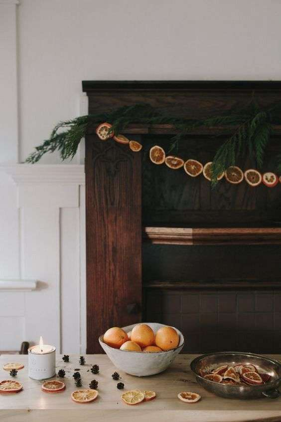 Decorare casa in stile hygge per natale foto design mag - Decorazioni natalizie per le scale ...