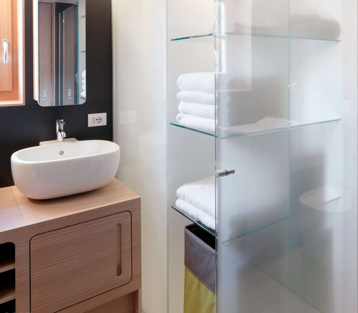 Beautiful Mobile Bagno Con Lavatrice Ideas - harrop.us - harrop.us