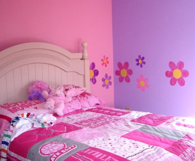 Camera Da Letto Con Una Parete Colorata : Stencil Your Walls