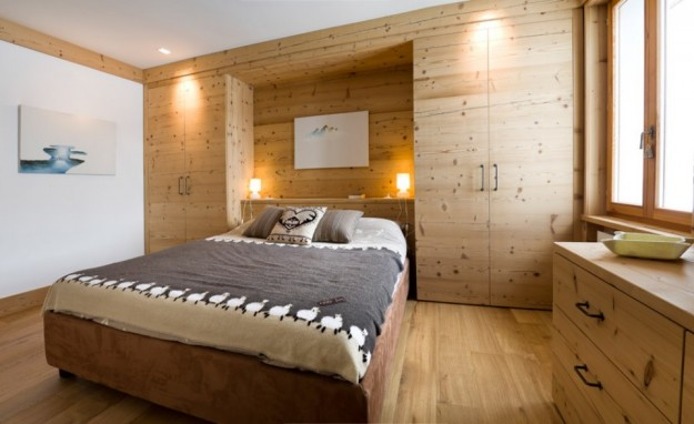 Come arredare una casa in montagna foto design mag for Camera da letto rustico