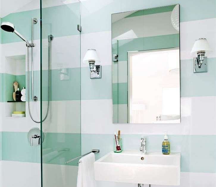 Decorare le pareti del bagno tante idee creative da - Decorare muri interni ...