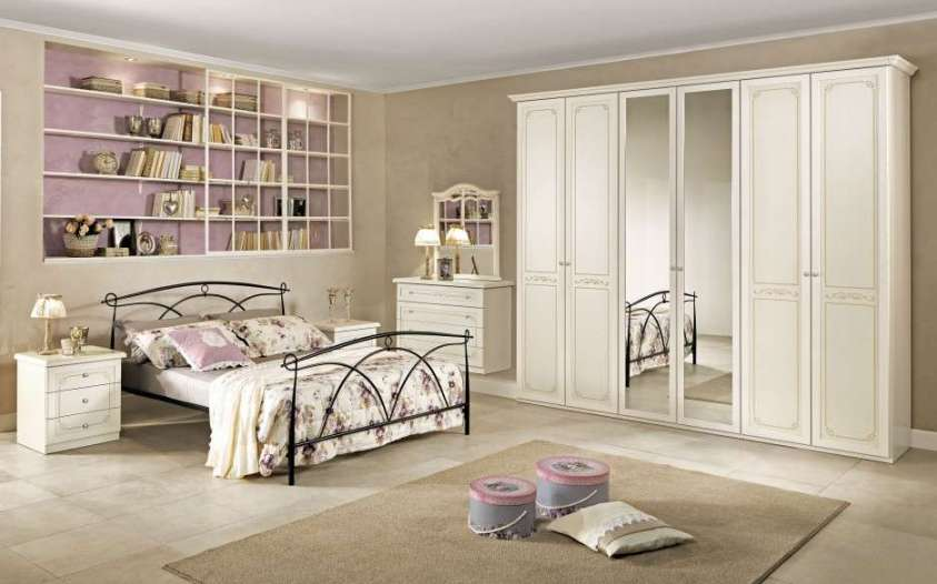 Camere da letto mondo convenienza 2017 il catalogo per la for Letto ferro battuto mondo convenienza