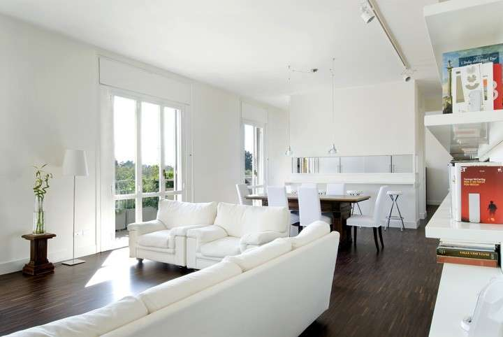 Salone Con Parquet White Interior Design : Cucina e soggiorno open space foto design mag