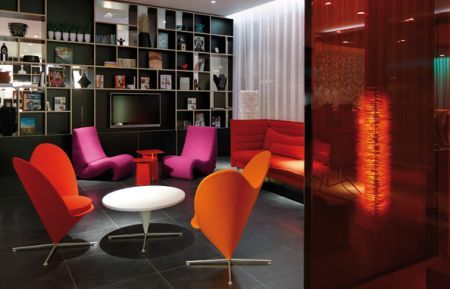 CitizenM hotel lounge