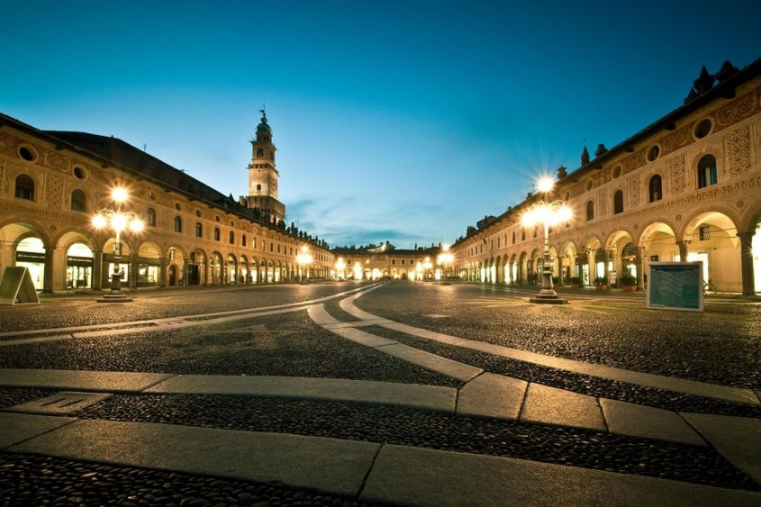 Piazza Ducale a Vigevano