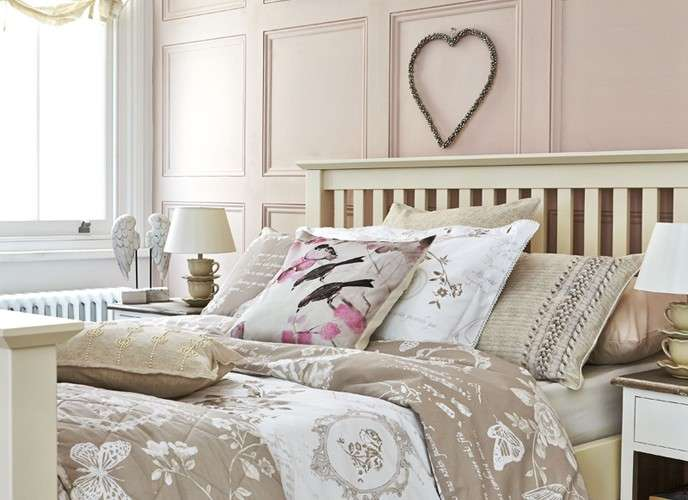camera da letto shabby shic foto design mag. Black Bedroom Furniture Sets. Home Design Ideas