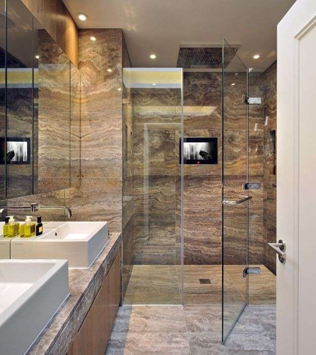 Bagno moderno in marmo