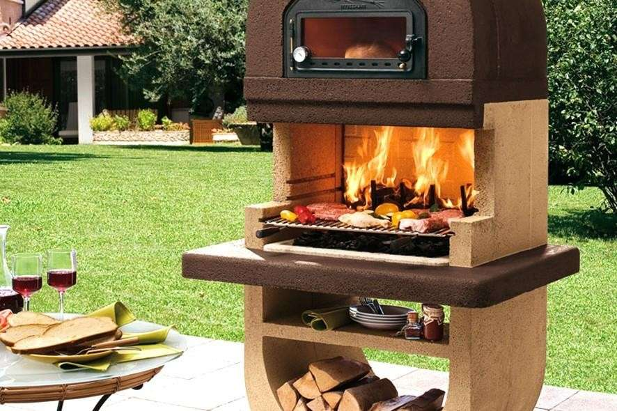 Barbecue con forno in alto