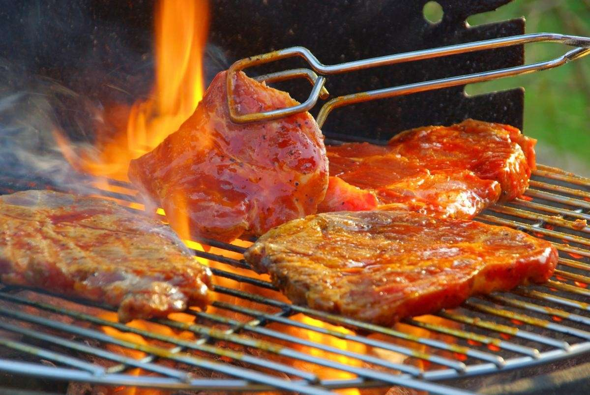 Carne sul barbecue