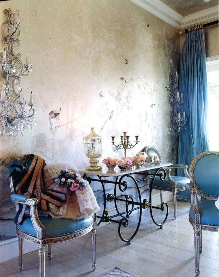 Interior design in stile shabby