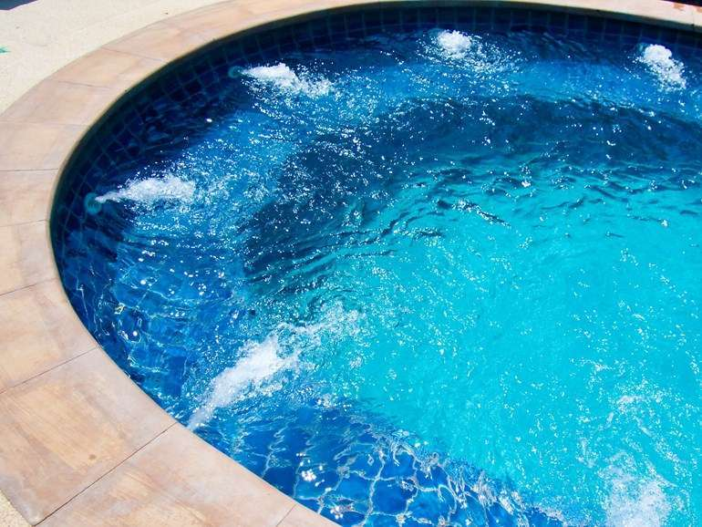 Piscina con idromassaggio Re Pack