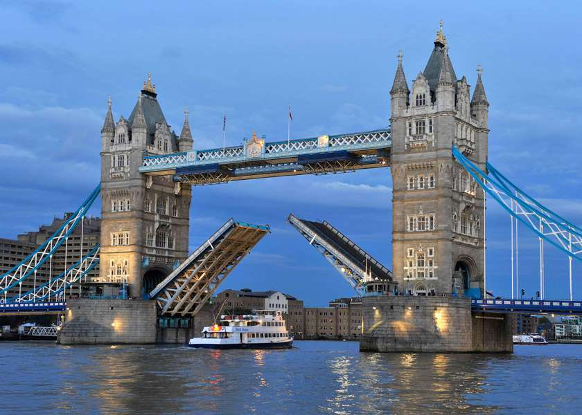 Tower Bridge di Londra
