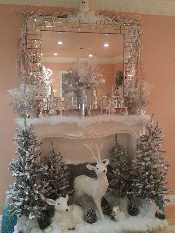 Caminetto decorato per Natale