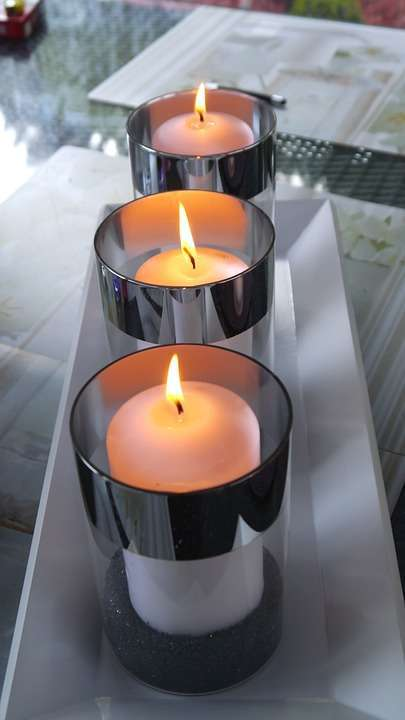 Candele in bicchiere