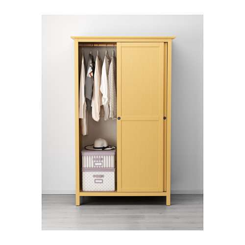Guardaroba Hemnes giallo
