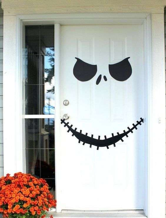 Porta decorata per Halloween