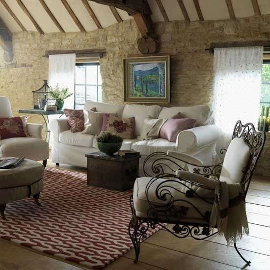 Living room in stile provenzale