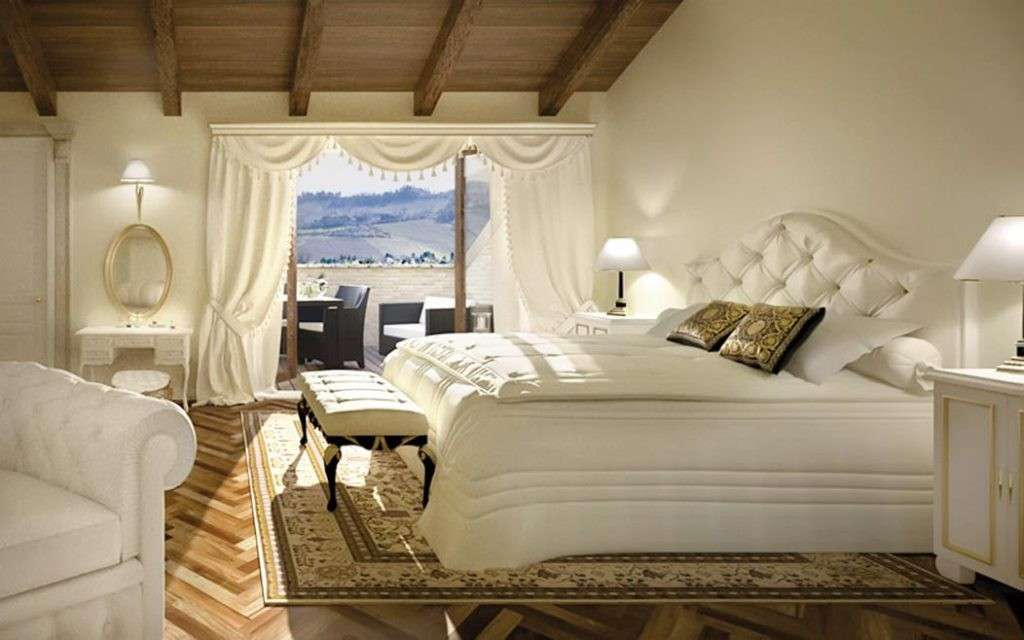 Awesome camera da letto classica bianca gallery for Arredamento camera da letto design