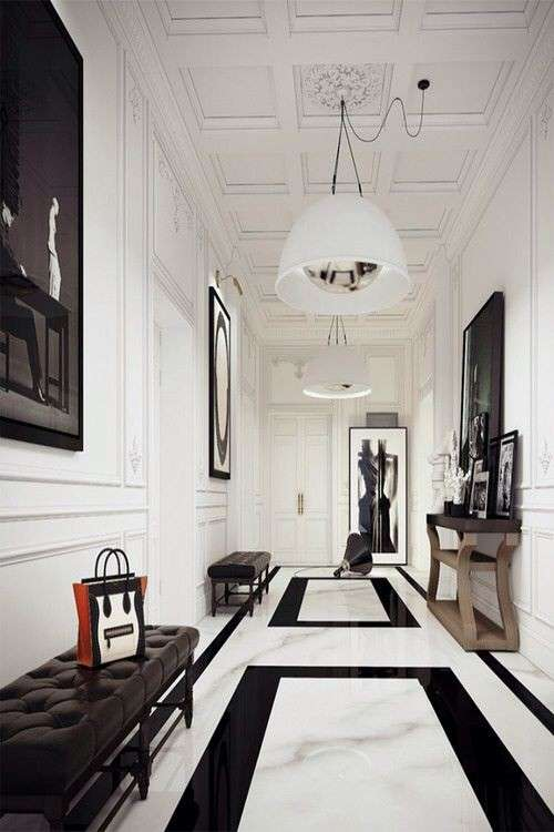 Foyer stile dramatic
