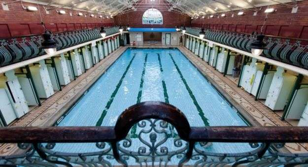 Piscina BRAMLEY BATHS