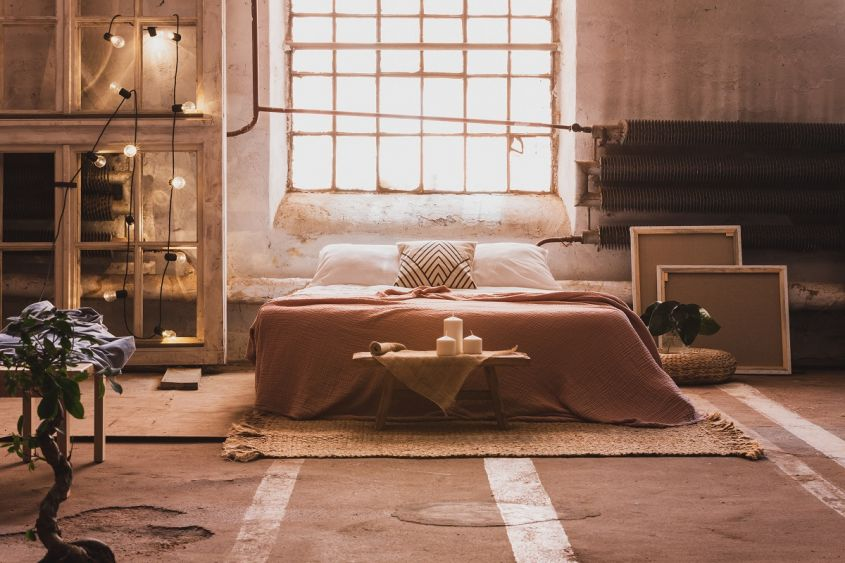 Window,Above,Bed,With,Cushions,In,Japanese,Bedroom,Interior,With