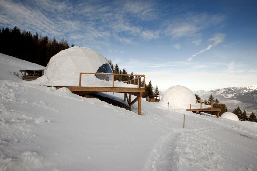 Hotel design natura Whitepod in Svizzera