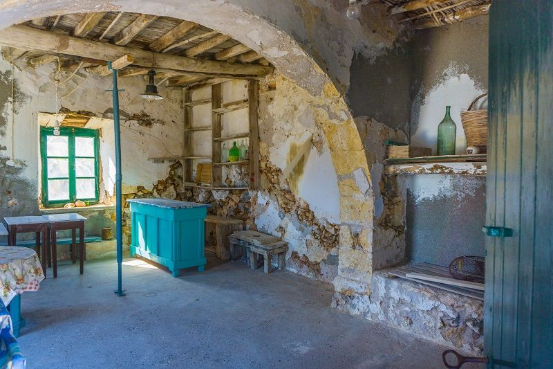 Antikythera,,Greece/,August,2017:,The,Interior,Of,An,Old,Stone,House