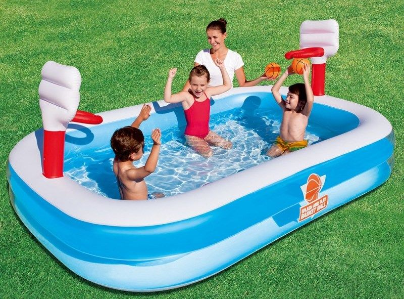 idee per arredare un giardino kids friendly piscina