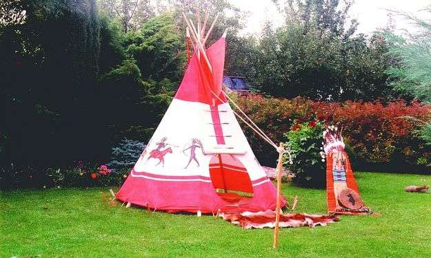 idee per arredare un giardino kids friendly  tenda